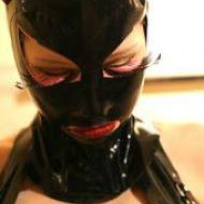 rubbergirl25